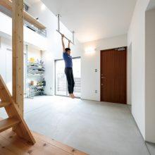 サンカク屋根のサッカー練習ができる家3