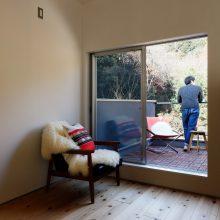開放感たっぷりの大自然をタノシム家+神戸OFFICE。4