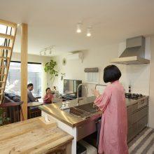 プライベート感のある和室をプラスした家。5