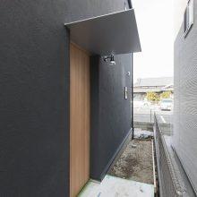 和テイストミックスの黒いハコの家1