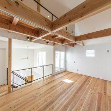 大空間の土間と和スペースが嬉しい家2