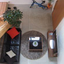 土間リビングを楽しむ真黒なハコの家5